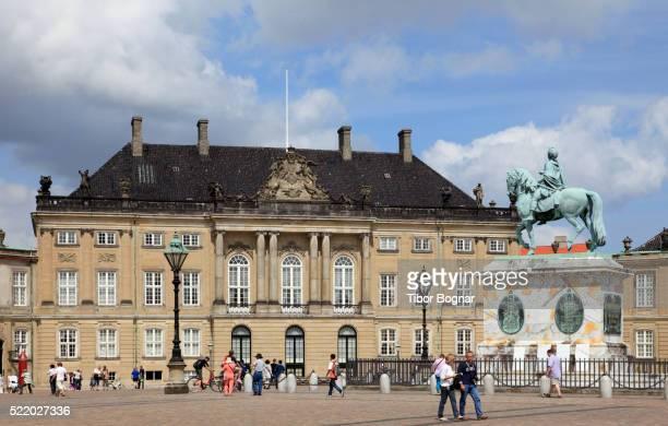 denmark, copenhagen, amalienborg palace, - amalienborg palace stock pictures, royalty-free photos & images