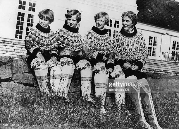 Denmark Jutland Ingrid of Sweden * Swedish princess and the queen consort of King Frederick IX of Denmark with her three daughters from the left...