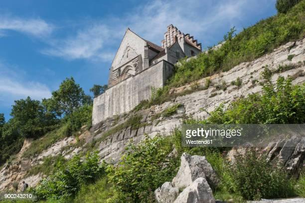 denmark, store heddinge, church at steep coast secured after rockfall - selandia fotografías e imágenes de stock