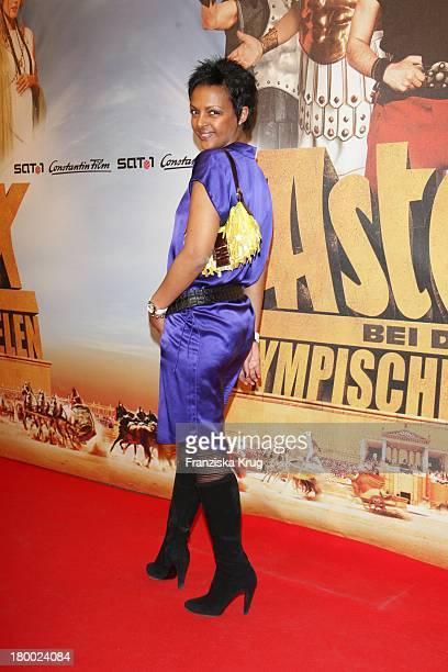 """Dennenesch Zoude Bei Der Premiere Von """"Asterix Bei Den Olympischen Spielen"""" Im Maxx Kino In München ."""