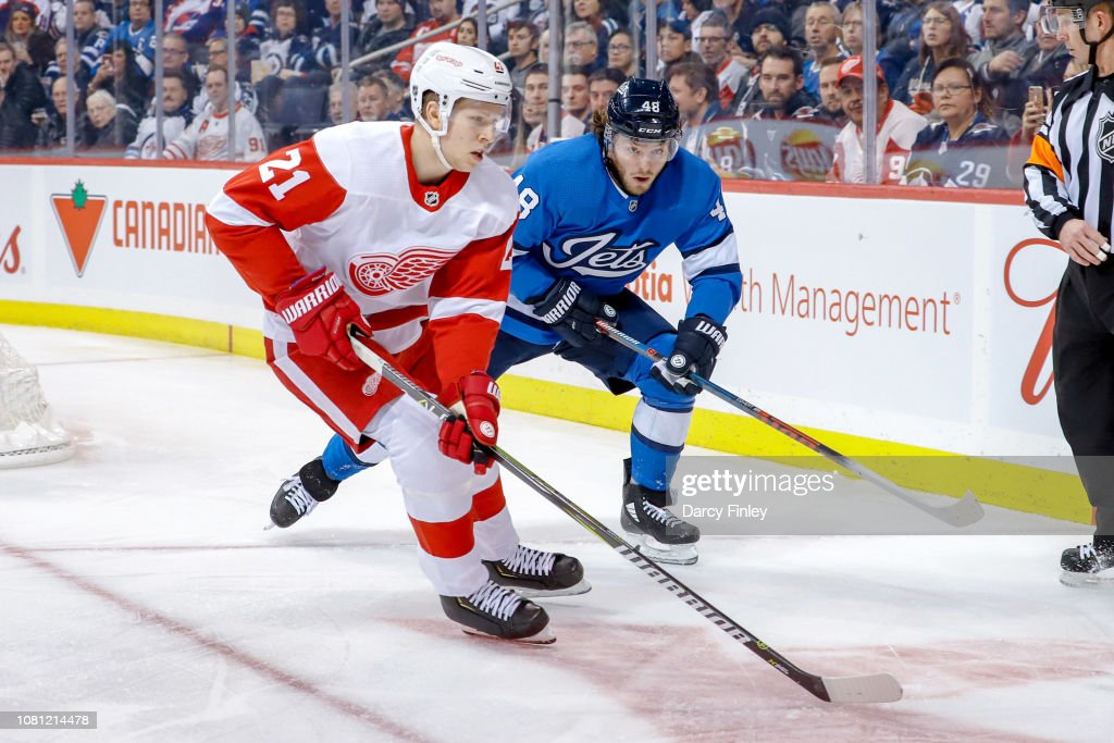 Detroit Red Wings v Winnipeg Jets : News Photo