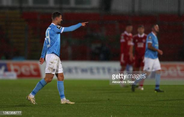 Dennis Dressel and of TSV 1860 Muenchen celebrates his first goal during the 3. Liga match between SpVgg Unterhaching and TSV 1860 Muenchen at...