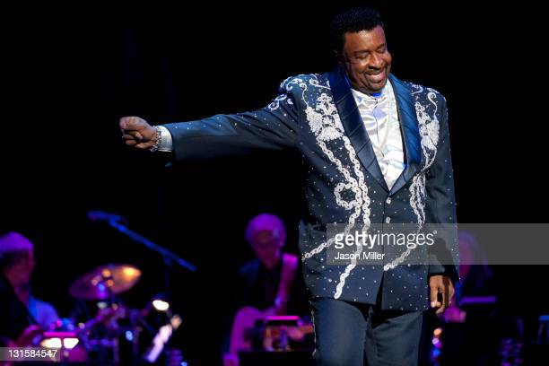 Dennis Edwards performs at the Rock and Roll Hall of Fame tribute concert honoring Aretha Franklin during the 16th American Music Masters Tribute at...