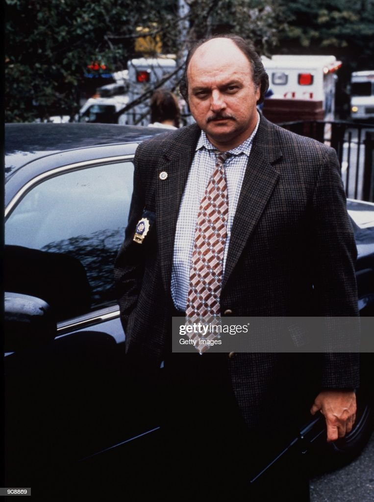 """1999 Dennis Franz star in year 6 of the tv series """"NYPD Blue."""" : News Photo"""