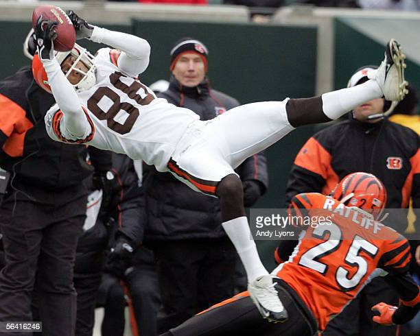 Dennis Northcutt of the Cleveland Browns catches a pass against Keiwan Ratliff of the Cincinnati Bengals during the NFL game at Paul Brown Stadium on...