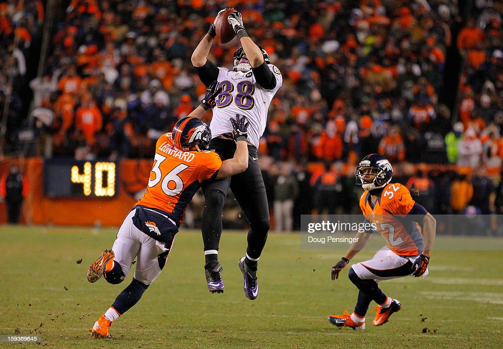 Divisional Playoffs - Baltimore Ravens v Denver Broncos : News Photo