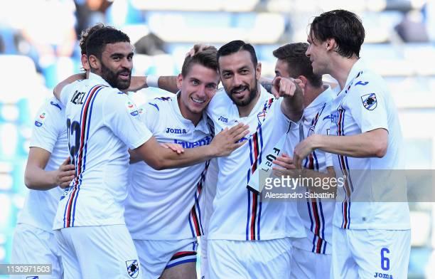 Dennis Praet of UC Sampdoria celebrates after scoring the 14 goal with team matesduring the Serie A match between US Sassuolo and UC Sampdoria at...