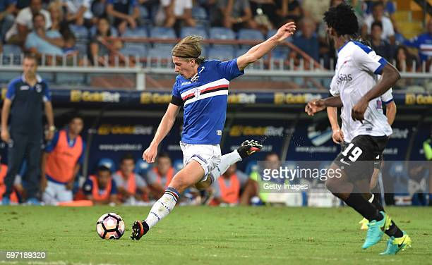 Dennis Praet of UC Sampdoria in action during the Serie A match between UC Sampdoria and Atalanta BC at Stadio Luigi Ferraris on August 28 2016 in...