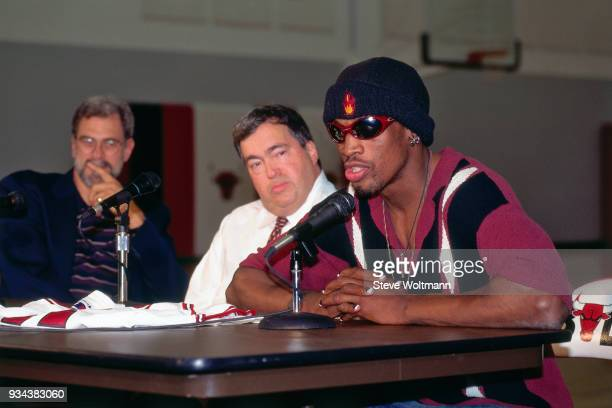 Dennis Rodman speaks to the media during a press conference to announce he signed with the Chicago Bulls on October 5 1995 at the Berto Center in...