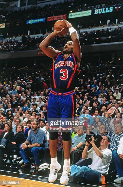 Dennis Scott of the New York Knicks shoots against the Chicago Bulls circa 1999 at the United Center in Chicago Illinois NOTE TO USER User expressly...