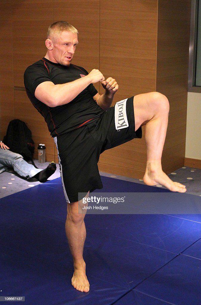 Dennis Siver of Germany works out at the UFC 122 open workouts at the Hilton Hotel on November 10, 2010 in Dusseldorf, Germany.
