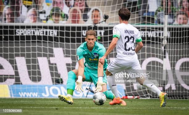 Dennis Smarsch of Hertha BSC and Jonas Hofmann of Borussia Moenchengladbach during the Bundesliga match between Borussia Moenchengladbach and Hertha...