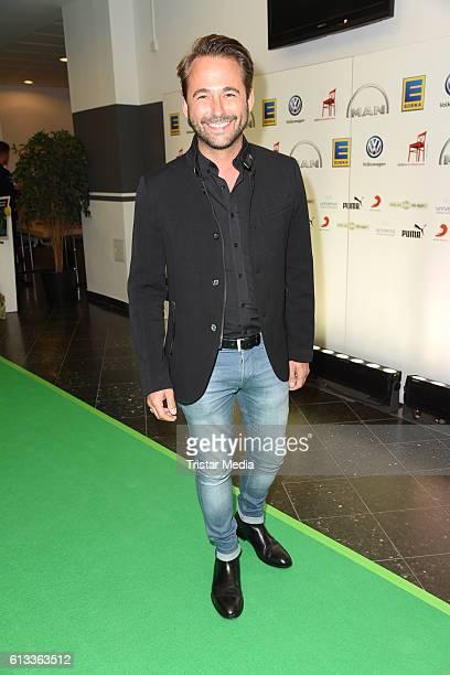 Dennis Wilms attends the 'Tabaluga Es lebe die Freundschaft' Premiere on October 7 2016 in Hamburg Germany