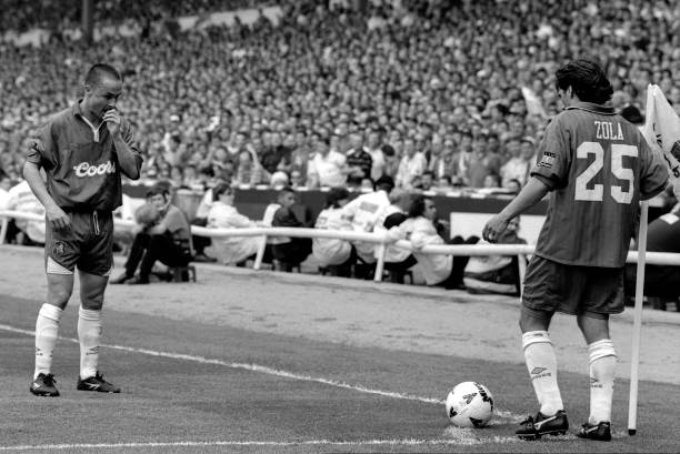 Dennis Wise and Gianfranco Zola of Chelsea prepare to take a corner kick during the 1997 FA Cup Final between Chelsea and Middlesbrough held on May...
