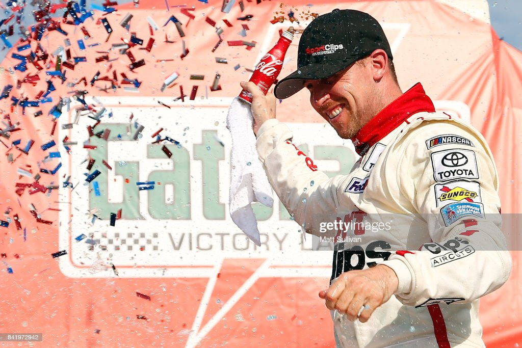 NASCAR XFINITY Series Sports Clips Haircuts VFW 200