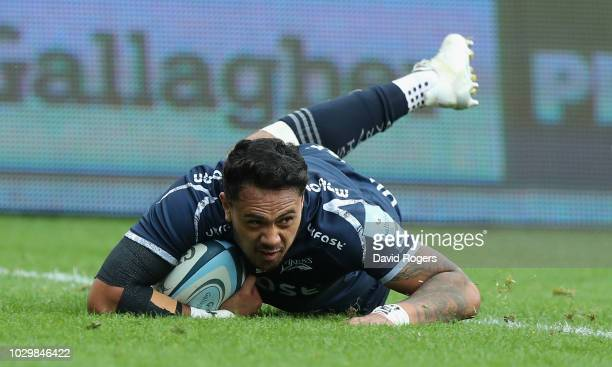 Denny Solomona of Sale Sharks dives over for their second try during the Gallagher Premiership Rugby match between Sale Sharks and Worcester Warriors...