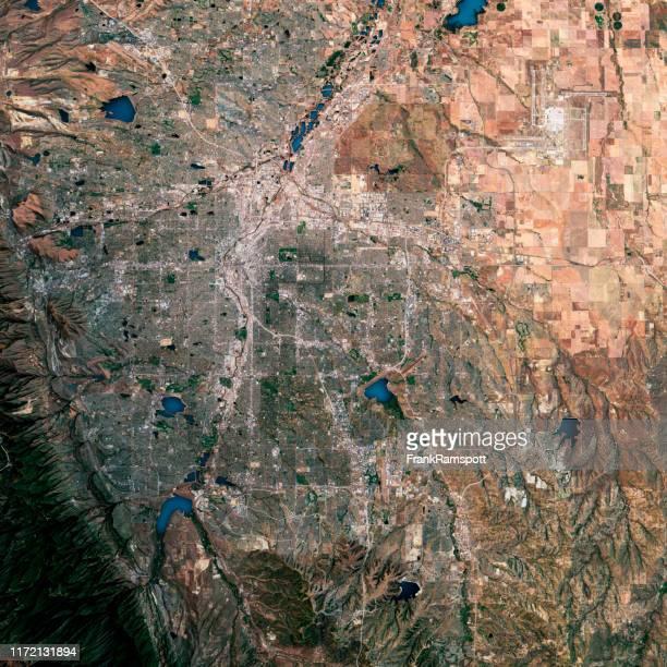 denver 3d render satellietweergave topografische kaart - satellietfoto stockfoto's en -beelden