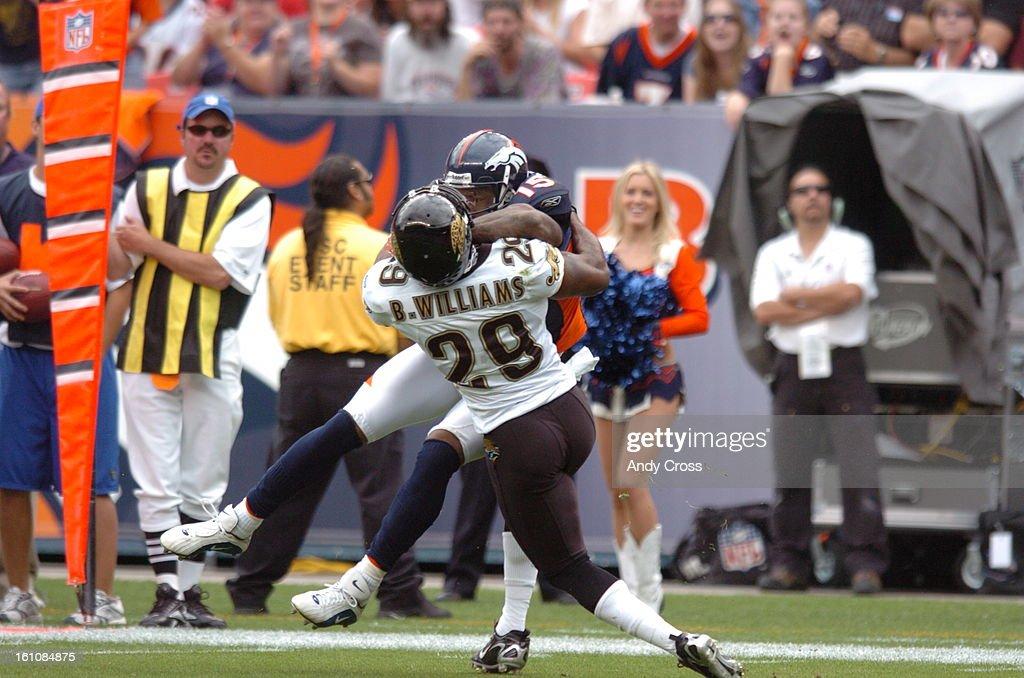 san francisco 7ce0d 5a410 Denver Broncos Brandon Marshall throws an elbow into ...