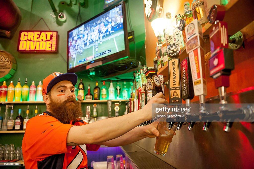 Denver Broncos Fans Watch Super Bowl 50 : News Photo
