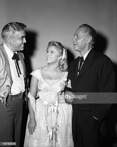 BONANZA Denver McKee Episode 6 Pictured Lorne Greene as Ben Cartwright Natalie Trundy as Connie McKee and Franchot Tone as Denver McKee Photo by...