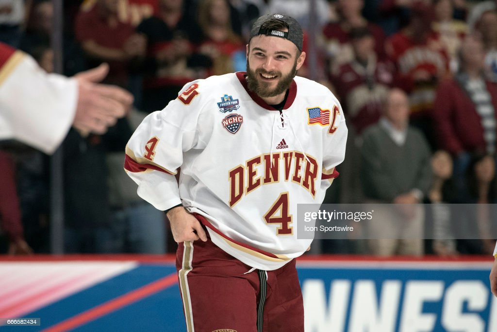 NCAA HOCKEY: APR 08 Frozen Four Final - Minnesota-Duluth v Denver : News Photo