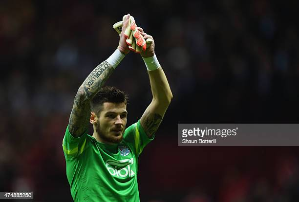Denys Boyko of Dnipro applauds the fans after the UEFA Europa League Final match between FC Dnipro Dnipropetrovsk and FC Sevilla on May 27 2015 in...