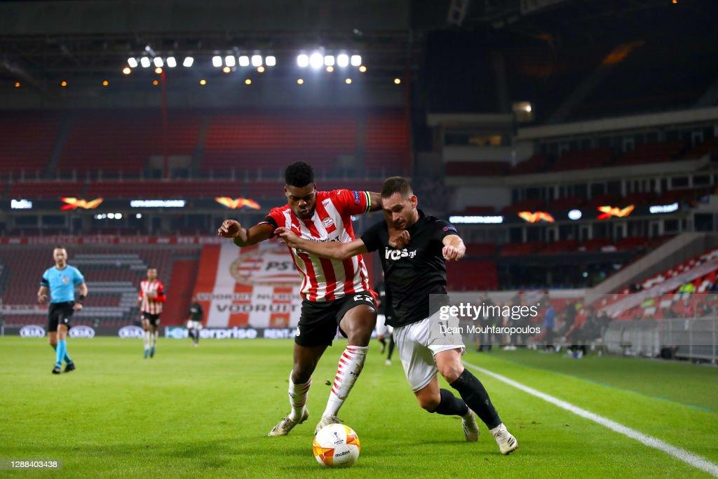 PSV Eindhoven v PAOK: Group E - UEFA Europa League : ニュース写真