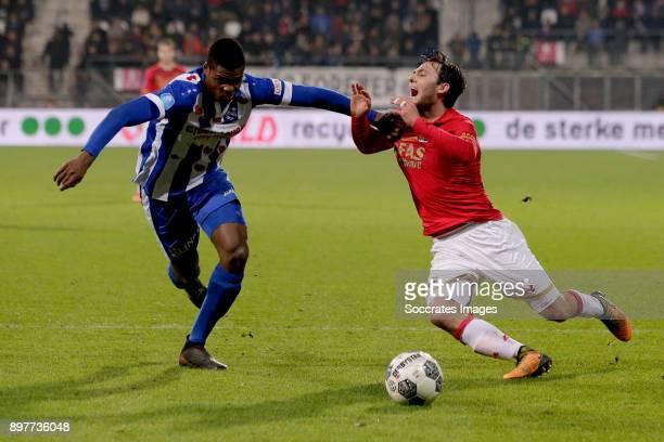 Denzel Dumfries of SC Heerenveen Joris van Overeem of AZ Alkmaar during the Dutch Eredivisie match between AZ Alkmaar v SC Heerenveen at the AFAS...