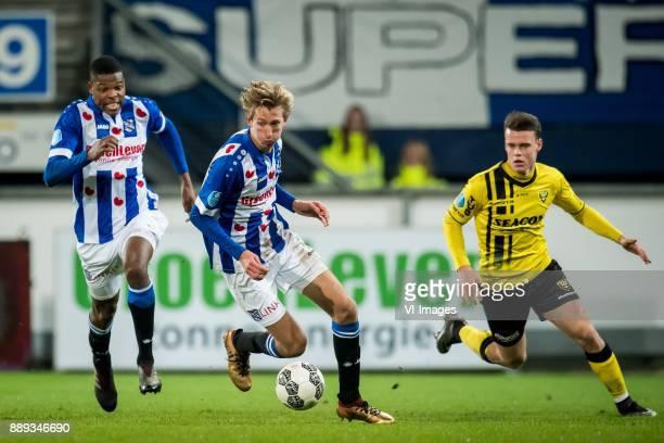 Denzel Dumfries of sc Heerenveen Michel Vlap of sc Heerenveen Vito van Crooij of VVV during the Dutch Eredivisie match between sc Heerenveen and VVV...