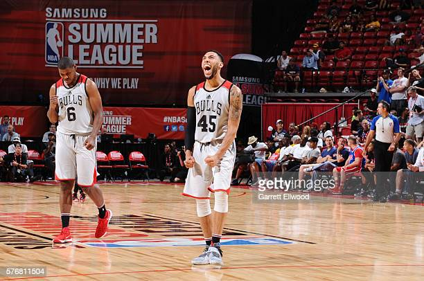Denzel Valentine of the Chicago Bulls celebrates with his teammates during the game against the Cleveland Cavaliers during the 2016 NBA Las Vegas...