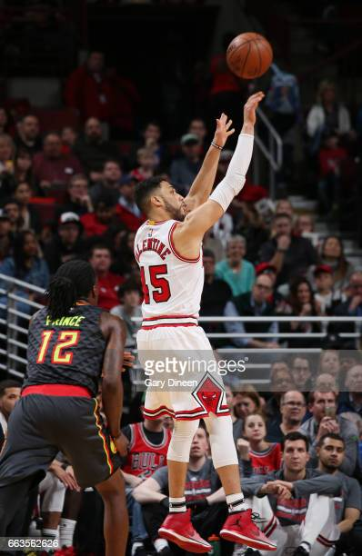 Denzel Valentine of the Chicago Bulls shoots the ball against the Atlanta Hawks during the game on April 1 2017 at the United Center in Chicago...