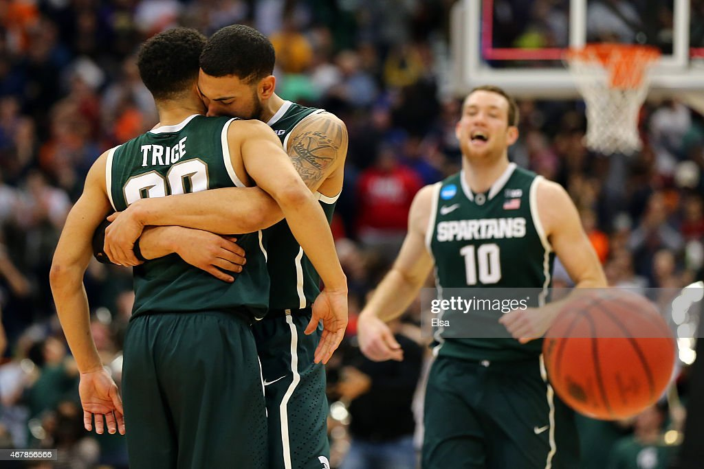 Toll Denzel Valentine #45 Of The Michigan State Spartans Celebrates With  Teammate Travis Trice #20