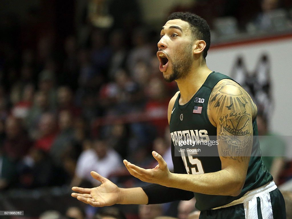 Denzel Valentine #45 Of The Michigan State Spartans Reacts Against The  Northeastern Huskies In The