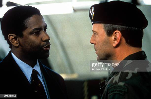 Denzel Washington and Bruce Willis in a scene from the film 'The Siege' 1998