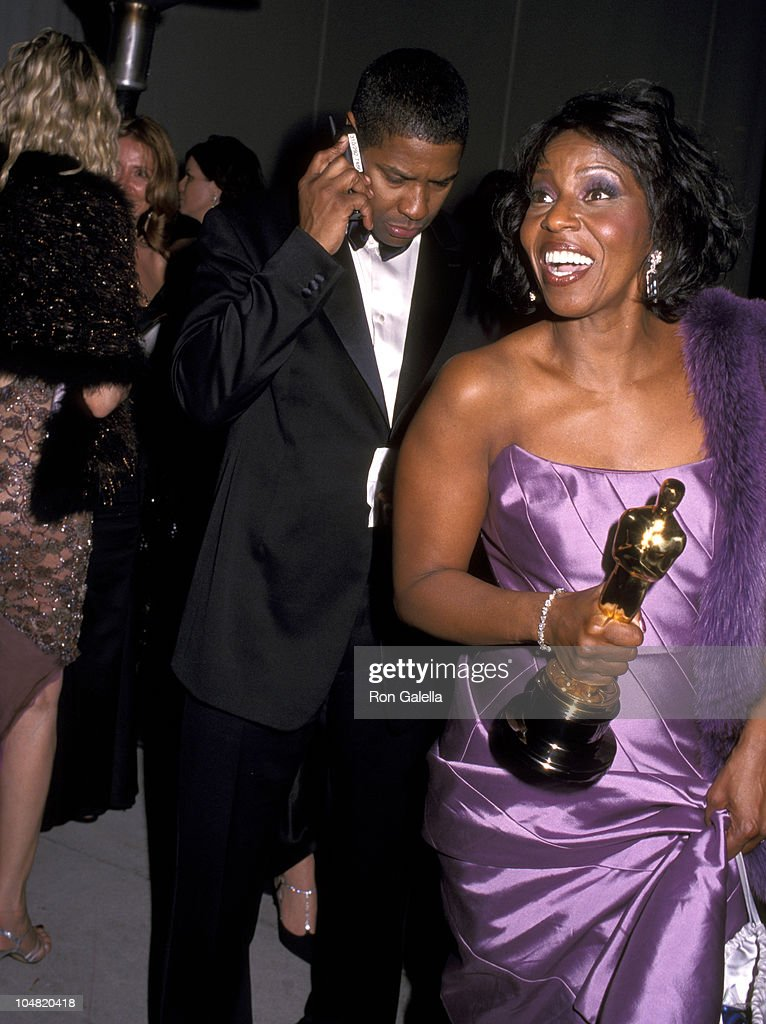 Denzel Washington and Pauletta Washington during 2002 Vanity Fair Oscar Party Hosted by Graydon Carter - Arrivals at Morton's Restaurant in Beverly Hills, California, United States.