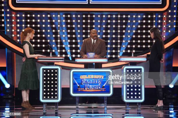 """Deon Cole vs. Tisha Campbell and Kevin Smith & Jason Mewes vs. Justin Long"""" - Comedian Deon Cole takes on actress Tisha Campbell in a funny faceoff..."""