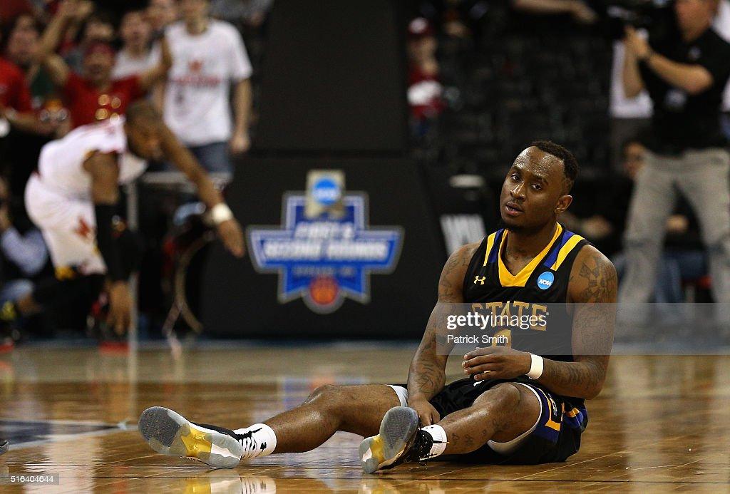 NCAA Basketball Tournament - First Round - Spokane : News Photo