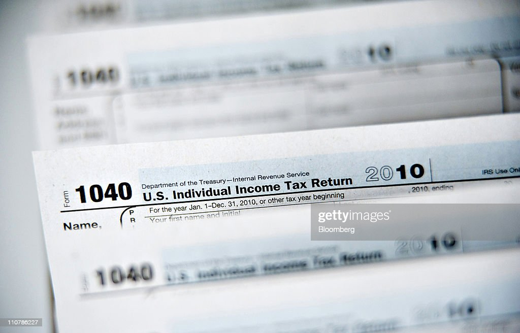 Tax Filing Deadline Approaches Photos And Images Getty Images