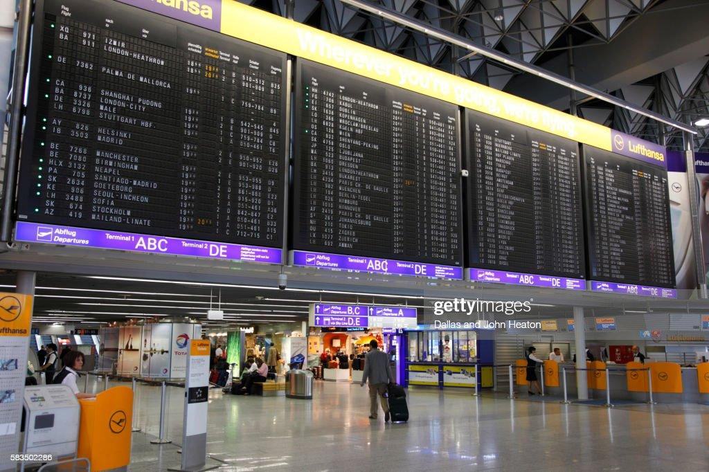 Flughafen Frankfurt Abflüge Terminal 1