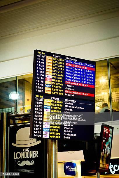 Sinal de partida do Aeroporto de Luton