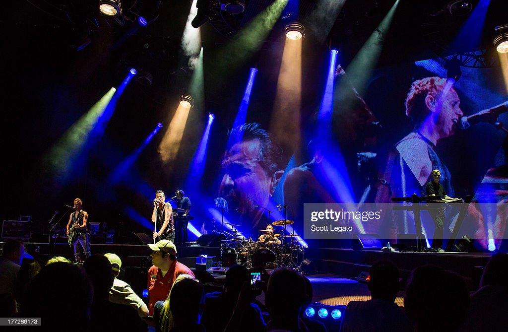 Depeche Mode In Concert - U.S. Tour Opener : News Photo