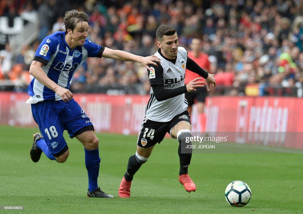 Valencia v Deportivo Alaves - La Liga