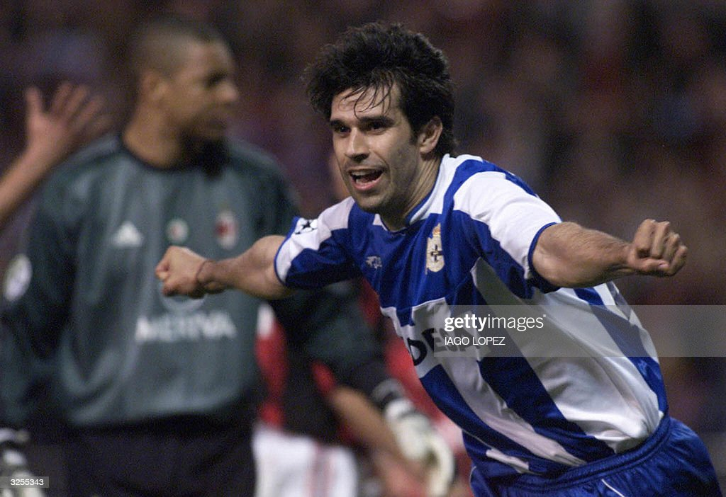 Deportivo Coruna's player Juan Valeron c : News Photo
