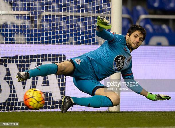 Deportivo La Coruna's Argentinian goalkeeper German Lux fails to stop a penalty kick during the Spanish league football match RC Deportivo de la...
