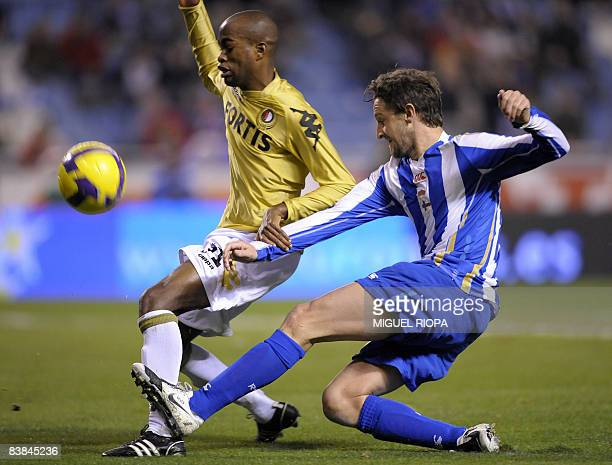 """Deportivo La Coruna's Miguel Angel Ferrer """"Mista"""" vies with Feyenoord's Brazilian Dwight Tiendalli during their UEFA Cup group H football match at..."""