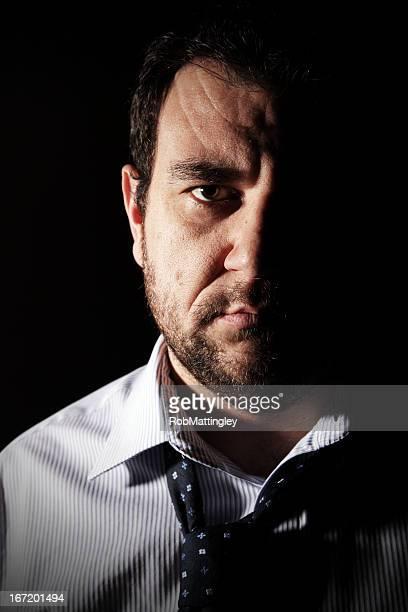 男性を押す - オープンネック ストックフォトと画像