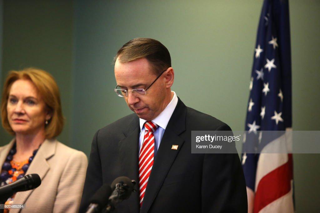 Deputy Attorney General Rod Rosenstein Holds News Conference To Update On The 2001 Murder Of Federal Prosecutor Tom Wales : Nachrichtenfoto