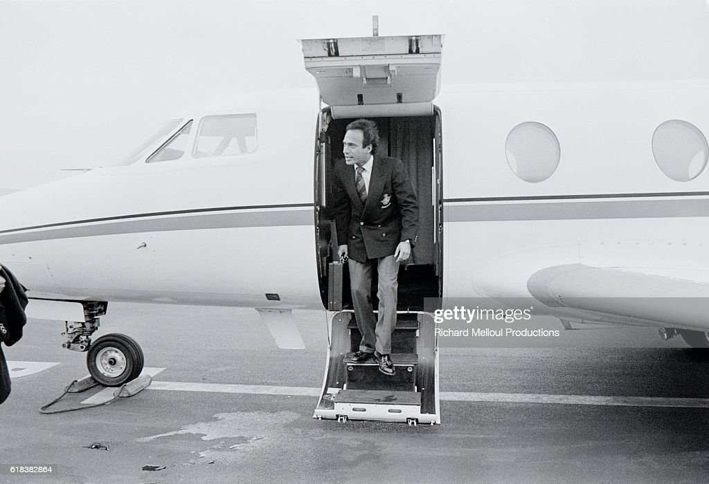 Deputy Olivier Dassault Disembarks from Private Airplane : Photo d'actualité