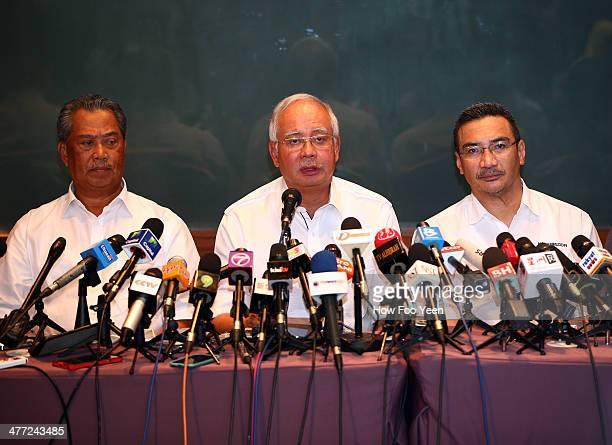Deputy Prime Minister of Malaysia Tan Sri Muhyiddin Yassin Prime Minister of Malaysia Najib Razak and Datuk Hishamuddin Hussein Minister of Transport...