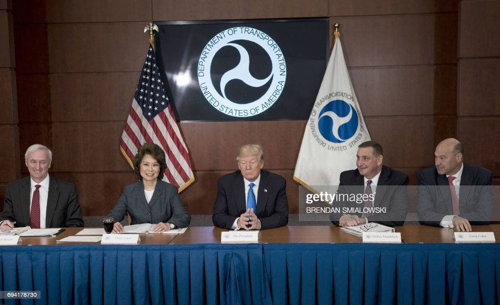 US-POLITICS-TRUMP-TRANSPORTATION : News Photo